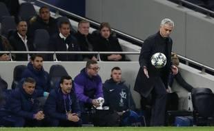 José Mourinho a invité un jeu ramasseur de balle à manger avec ses joueurs.