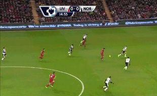 Capture d'écran d'un but de Luis Suarez, le 4 décembre 2013 contre Norwich en Premier League.