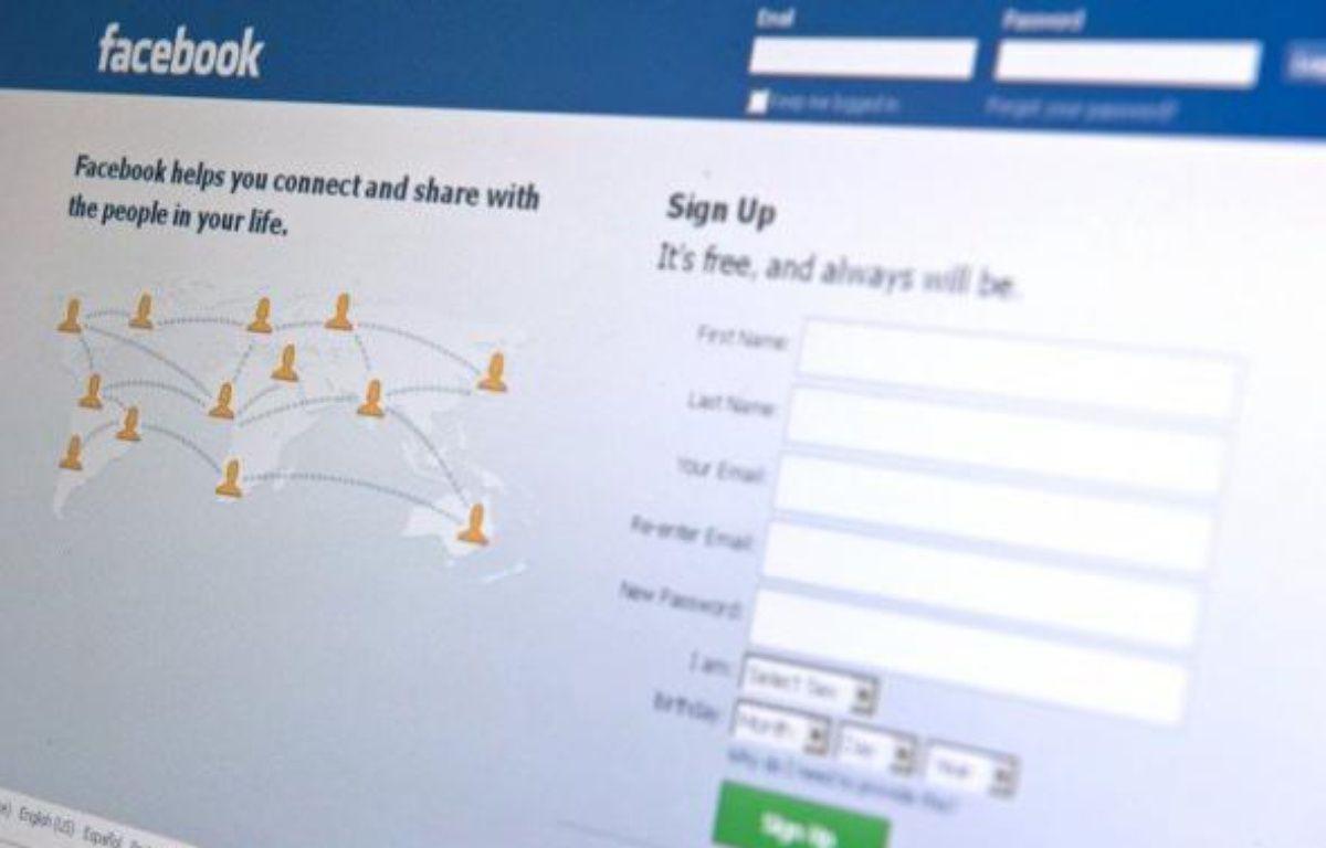 """Le licenciement de salariés pour avoir dénigré leur hiérarchie sur Facebook a été jugé """"fondé"""" vendredi par le conseil des prud'hommes de Boulogne-Billancourt (Hauts-de-Seine), a-t-on appris auprès des avocats des différentes parties. – Nicholas Kamm AFP/Archives"""