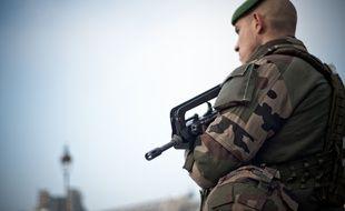 Un soldat de la force Sentinelle le 30 décembre 2016.