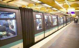 Le quai du métro à Paris en octobre 2010.