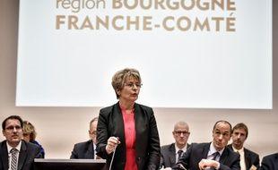 Port du voile en sortie scolaire: La mère prise à partie au conseil régional de Bourgogne-Franche-Comté porte plainte