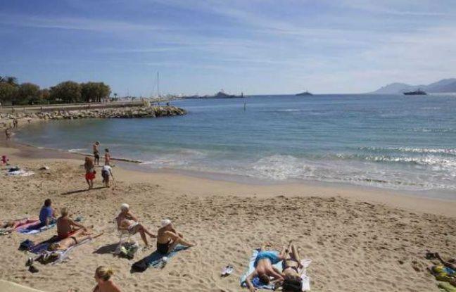La plage de la Croisette, à Cannes.