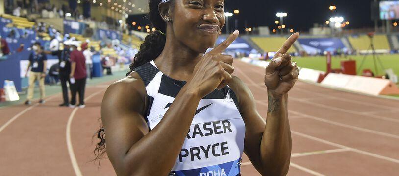 Shelly-Ann Fraser-Pryce lors du 100m  de la finale de la Ligue de Diamant à Doha, en mai 2021.