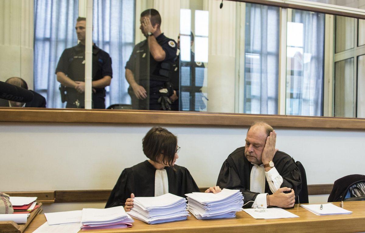 Éric Dupond-Moretti (à droite), avocat de Lylian Legrand – Denis Charlet / AFP