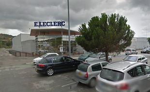 Le parking du supermarche Leclerc, à Limoux, où a eu lieu le dramatique accident.