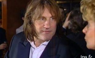 Gérard Depardieu, saoûl en interview sur France 2 après son César pour Cyrano de Bergerac