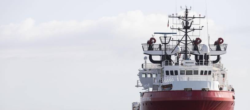 L'Ocean Viking en mer, illustration