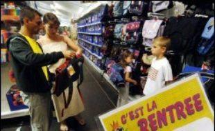 L'allocation de rentrée scolaire (ARS), fixée pour 2006 à 268,01 euros par enfant et attribuée aux familles avec des revenus modestes ayant des enfants scolarisés de 6 à 18 ans sera versée jeudi, a annoncé mercredi le ministère délégué à la Famille.