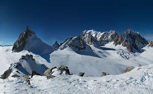 Capture écran du site http://www.in2white.com/ du plus grand panorama du monde, le Mont Blanc, le  25 mai 2015.