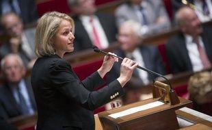 """Les députés écologistes, qui s'étaient déjà dit """"ouverts"""" à un vote de la loi organique instaurant une """"règle d'or"""" de retour à l'équilibre budgétaire, ont affirmé mercredi qu'elle """"assouplissait"""" le """"carcan du traité"""" budgétaire européen, contre lequel ils vont voter."""