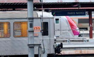 Le procès d'un homme de 20 ans accusé d'avoir violé en plein jour une jeune femme dans un RER D, en décembre 2011, s'est ouvert vendredi à huis clos devant la cour d'assises de l'Essonne à Evry.