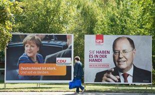 A trois semaines des législatives allemandes, Angela Merkel et son rival Peer Steinbrück s'affrontent dimanche à la télévision, une des dernières chances du social-démocrate de marquer contre la populaire chancelière qui l'a jusqu'ici superbement ignoré.