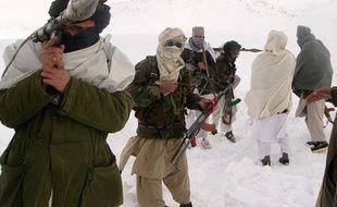 Soldats talibans dans un endroit inconnu en Afghanistan, le 16 janvier 2009.