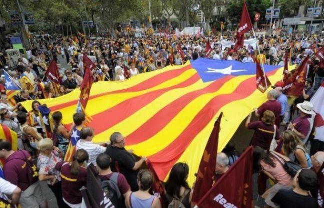 """L'Espagne a profité vendredi des bons chiffres de ses régions, qui ont atteint l'équilibre budgétaire au premier trimestre, pour """"lancer un message de confiance"""" sur sa solvabilité, terme d'une semaine de tension extrême sur les marchés."""