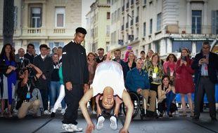 Carlota Dudek lors d'une démonstration de breakdance à Marseille
