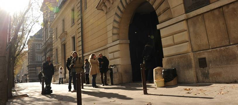 Tribunal de Versailles.