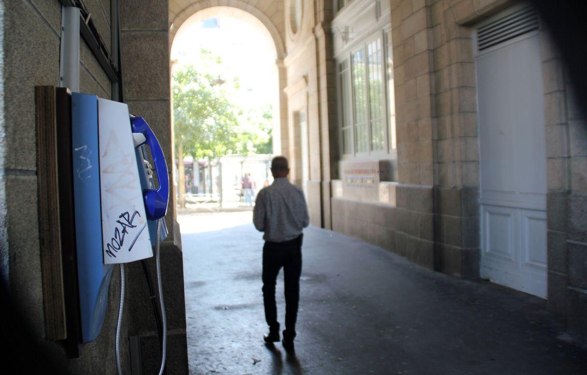 Les ouvertures latérales des arcades de République, à Rennes,  seront fermées la nuit afin de chasser les dealers. – C. Allain / APEI / 20 Minutes