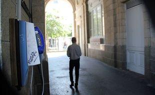 Les ouvertures latérales des arcades de République, à Rennes, pourraient être closes, afin de chasser les dealers.
