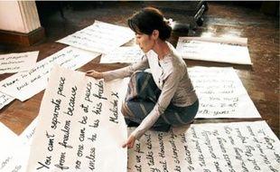 Dans The Lady, Michelle Yeoh incarne Aung San Suu Kyi, Prix Nobel de la paix.