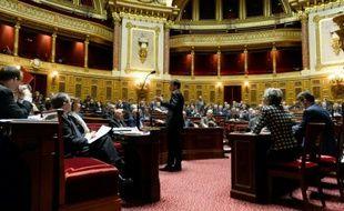 Le premier ministre Manuel Valls parle durant un débat sur l'état d'urgence au Sénat, le 20 novembre 2015 à Paris