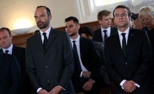 Edouard Philippe et Emmanuel Macron durant la messe d'hommage au père Jacques Hamel, tué le 26 juillet 2016 par deux djihadistes dans son église de Saint-Etienne-du-Rouvray.