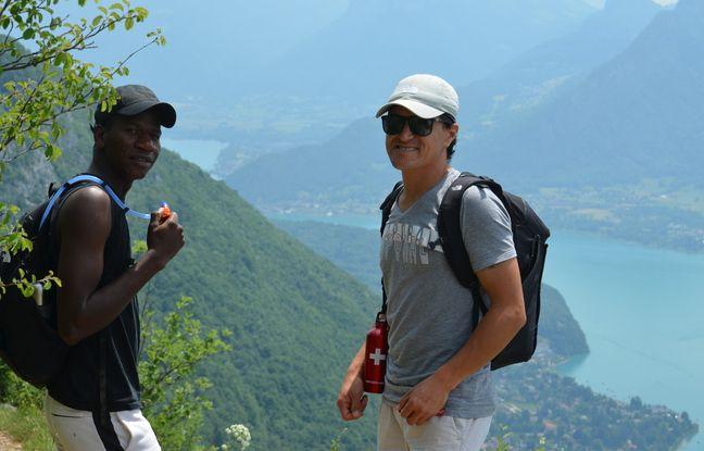 Désormais très à l'aise durant leurs randonnées autour d'Annecy, Sikou et Jomah-Khan ont hâte de découvrir la haute montagne dans les prochaines semaines.