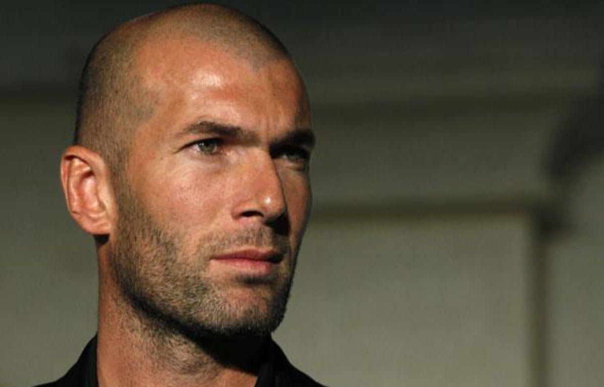 Zinédine Zidane sera à Amsterdam avec le Real Madrid, mardi, pour aider José Mourinho. – S.CHIU/REUTERS