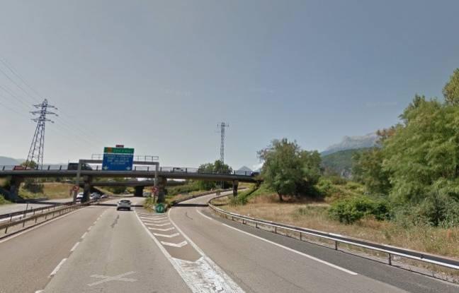 La bretelle de l'A480, à Grenoble, où deux adolescents ont perdu la vie dans la nuit du 29 au 30 octobre 2016