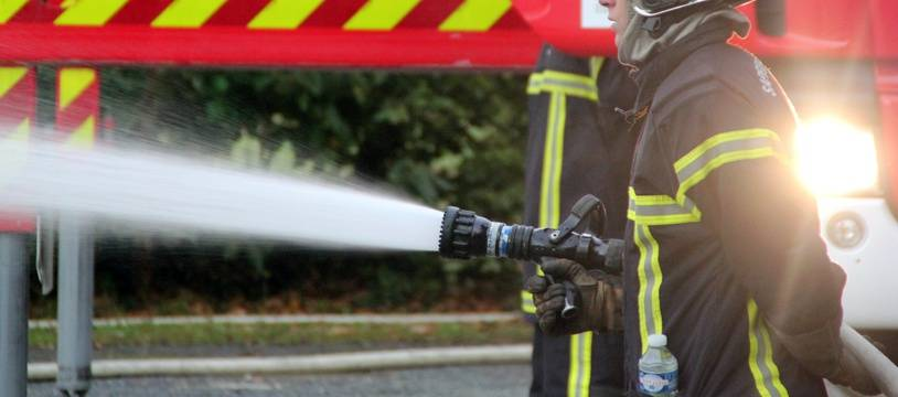 Illustration d'un pompier intervenant sur un incendie (illustration).