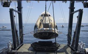 La navette SpaceX récupérée par la Nasa dans le golfe du Mexique, le 2 août 2020.