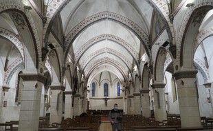 L'église d'Authon, où les obsèques de Valéry Giscard d'Estaing auront lieu samedi.