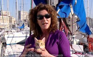 Florence Arthaud et son chat Bylka dans 30 Millions d'amis, en 2012.