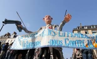 Rassemblement contre les violences policières mercredi 18 mars à Rennes en marge du procès de l'affaire Zyed et Bouna.