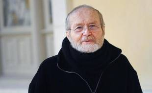 """La mère de Guillaume Agnelet, qui a accusé son père Maurice d'avoir tué sa maîtresse Agnès Le Roux en 1977 en Italie, a """"formellement"""" contesté ces accusations, mercredi en visioconférence devant la cour d'assises d'Ille-et-Vilaine"""