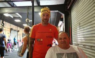 Mathieu Hiltenbrand (à gauche) et Yves Vorburger (à droite) sont les premiers français à prendre part à un ironman en duo, en Allemagne ce dimanche.