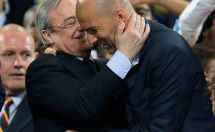 Zinédine Zidane félicité par son président, Florentino Perez, après la victoire du Real Madrid en Ligue des champions, le 28 mai 2016.