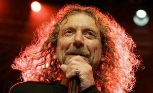 Les fans de Led Zeppelin ont patienté plusieurs heures dimanche pour mettre la main sur le précieux sésame, attribué par tirage au sort parmi plus d'un million de candidats, qui leur permettra d'assister lundi à l'unique concert de retrouvailles du groupe de rock.