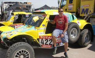 Le pilote français Bruno Miot, engagé sur un buggy pendant le Dakar, le 30 janvier 2011 à Mar Del Plata en Argentine.