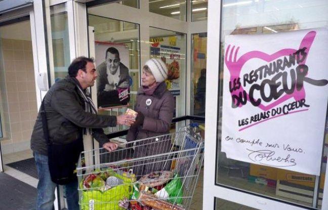Une collecte alimentaire dans un magasin Lidl de Clamart le 4 mars 2011 - DURAND FLORENCE/SIPA -