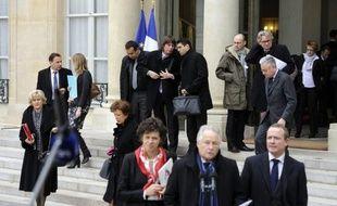 """François Fillon a affirmé lundi qu'il fallait """"éviter toutes les remarques désagréables à propos des syndicats"""", ajoutant ne pas aimer """"qu'on critique les syndicats en tant que tels"""" car ils """"sont nécessaires au fonctionnement de l'économie et du système social français""""."""