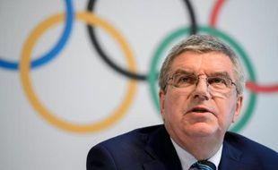 Le président du CIO Thomas Bach en conférence de presse lors du sommet olympique à Lausanne, le 21 juin 2016
