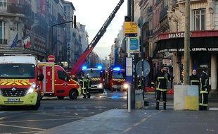 Près de 117 pompiers ont été mobilisés pour étendre l'incendie, à Toulouse, qui a fait 19 blessés.