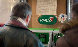 Montereau le 18 janvier 2012. Illustration bar PMU (Paris Mutuel Urbain) et machine de paris.