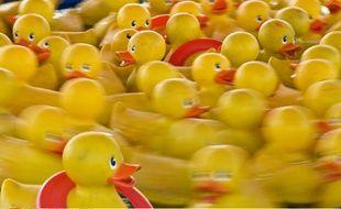 600 petits canards jaunes en plastiques seront lâchés en presqu'île lyonnaise, le jour du début des soldes d'été. (illustration