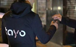 Un chauffeur Tayo conduit votre voiture pour vous ramener chez vous