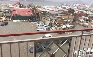 Vue des dégâts à Saint-Martin après le passage du cyclone Irma, le 6 septembre 2017.