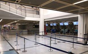 L'aéroport de Nantes entièrement vide, mardi 24 mars 2020.