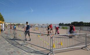 A Bordeaux, le 7 septembre 2014, initiation au roller sur les quais de Garonne.