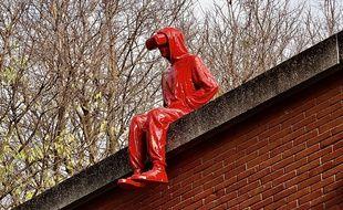 Le Passager du sculpteur James Colomina est apparu dans la nui du 12 au 13 décembre 2020 à Toulouse.